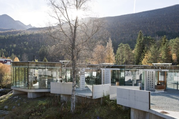 dainty-norway-homedezen-then-juvet-landscape-hotel-juvet-landscape-hotel_juvet-landscape-hotel.jpg